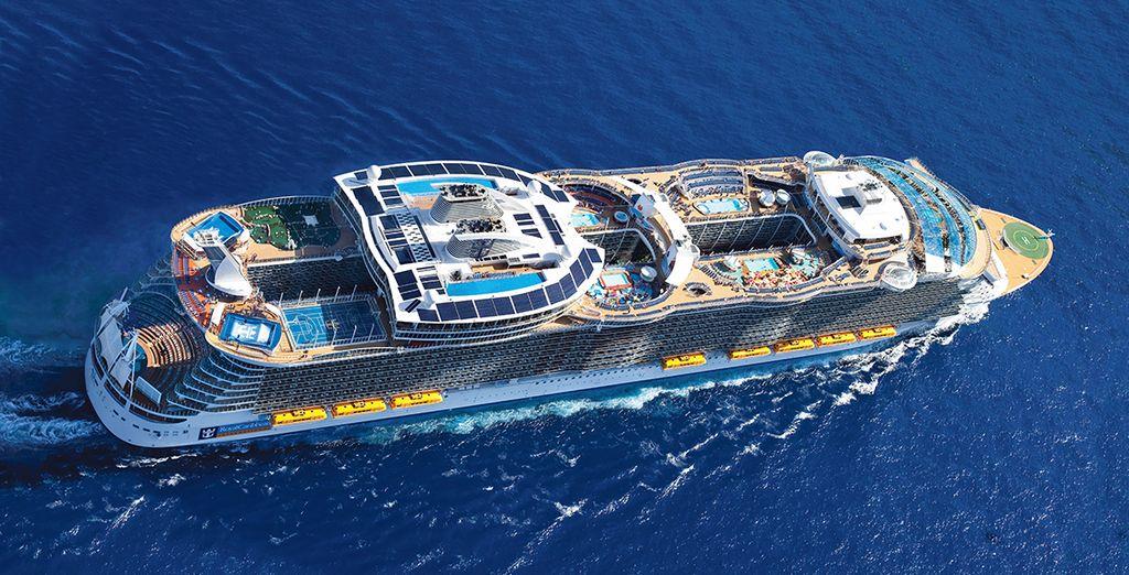 Embarquez à bord d'un navire hors norme...