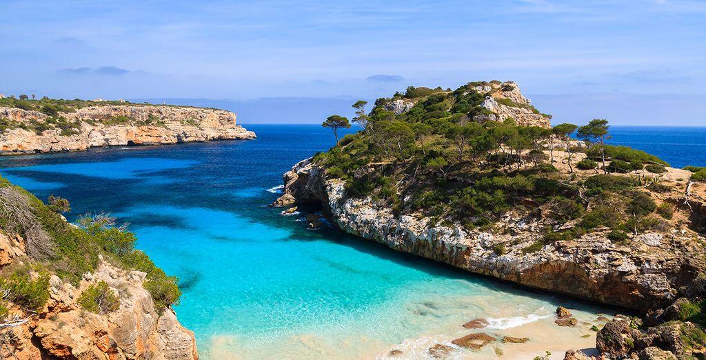 Face aux eaux turquoise de la Méditerranée !