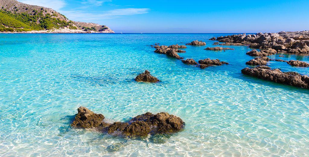 Baignez-vous dans les eaux cristallines de Majorque