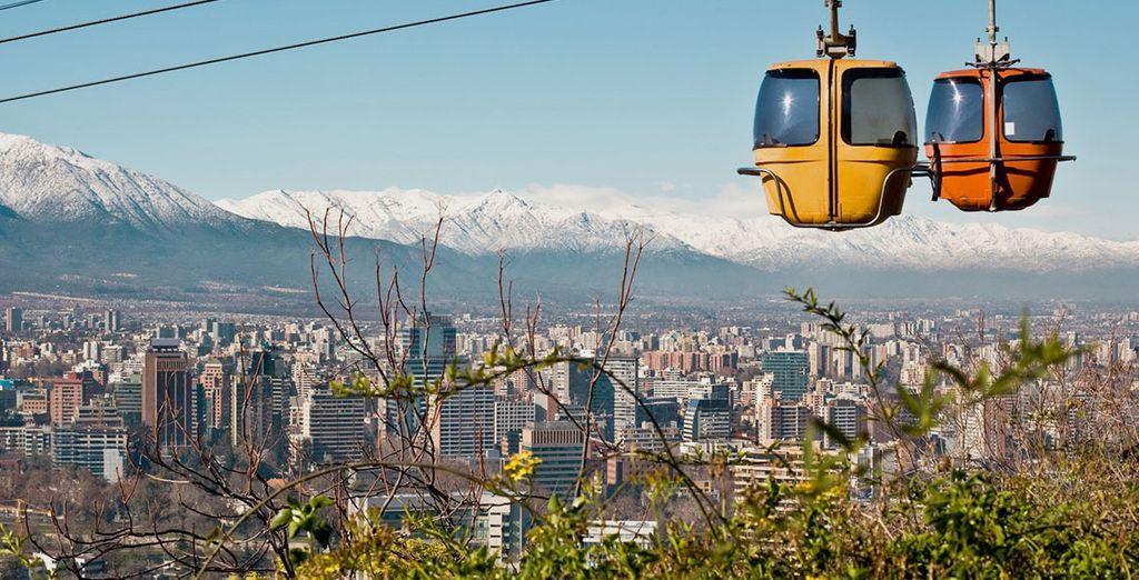 Enfin à Santiago du Chili vous prendrez de la hauteur pour admirer la vue panoramique sur la ville...