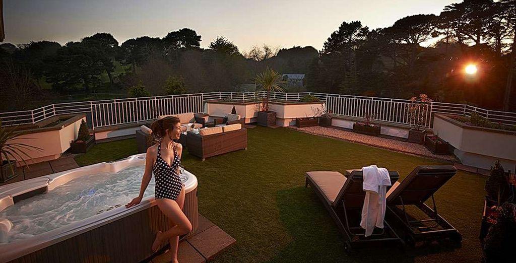 Vous profiterez au maximum de son jardin privé aménagé et de son bain à remous extérieur