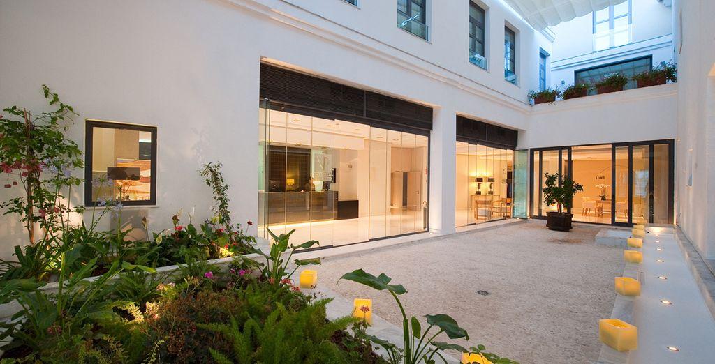 Prenez place dans votre hôtel 5*, design et luxueux...