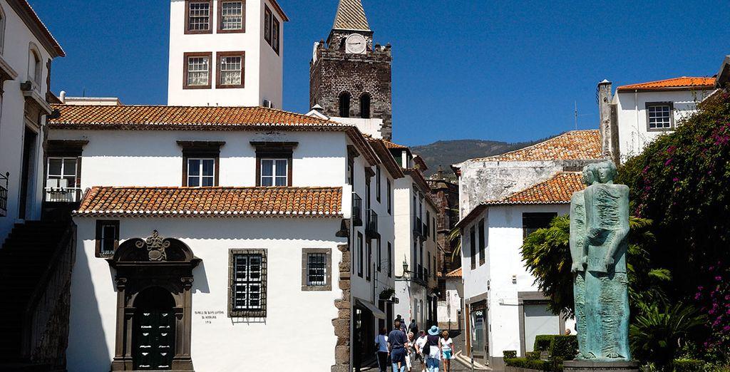Photographie de la ville de Funchal à Madère, au Portugal