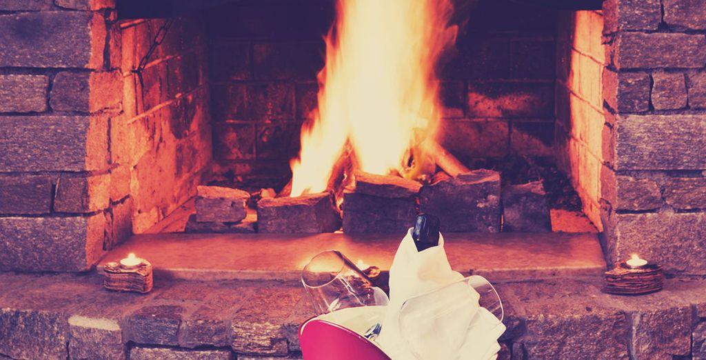 Ce séjour cosy au coin du feu s'annonce unique
