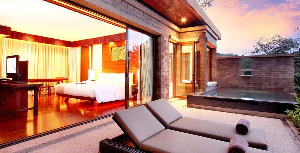 Plongez votre regard sur l'horizon depuis votre terrasse avec piscine privée...