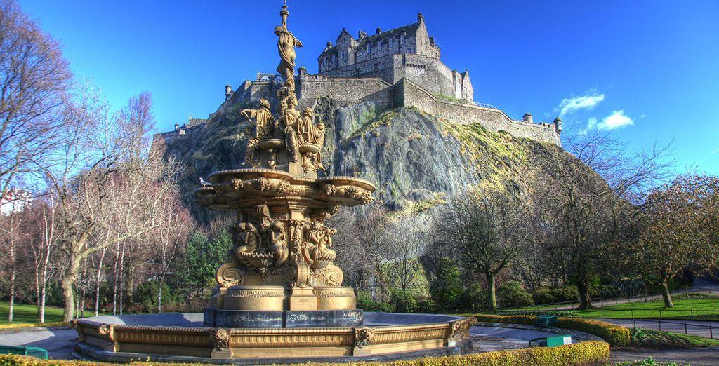 scoprite l'imponente Castello di Edimburgo, a soli 10 minuti dall'hotel,