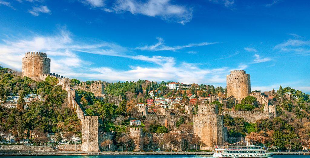 Sarete nella posizione ideale per esplorare questa splendida città dai mille volti