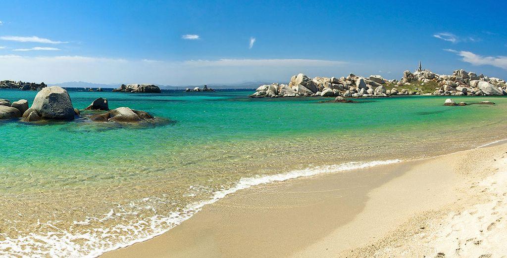 Passate del tempo nelle splendide spiagge di sabbia fine