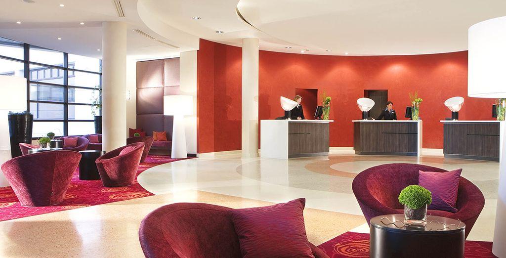 Un hotel moderno e dagli interni arredati finemente