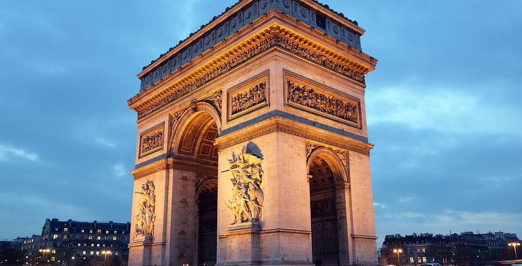 Perdetevi con lo shopping sulla famosa via Champs-Elysées