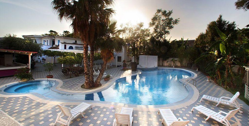 Regent Beach Hotel & Apartments 4*