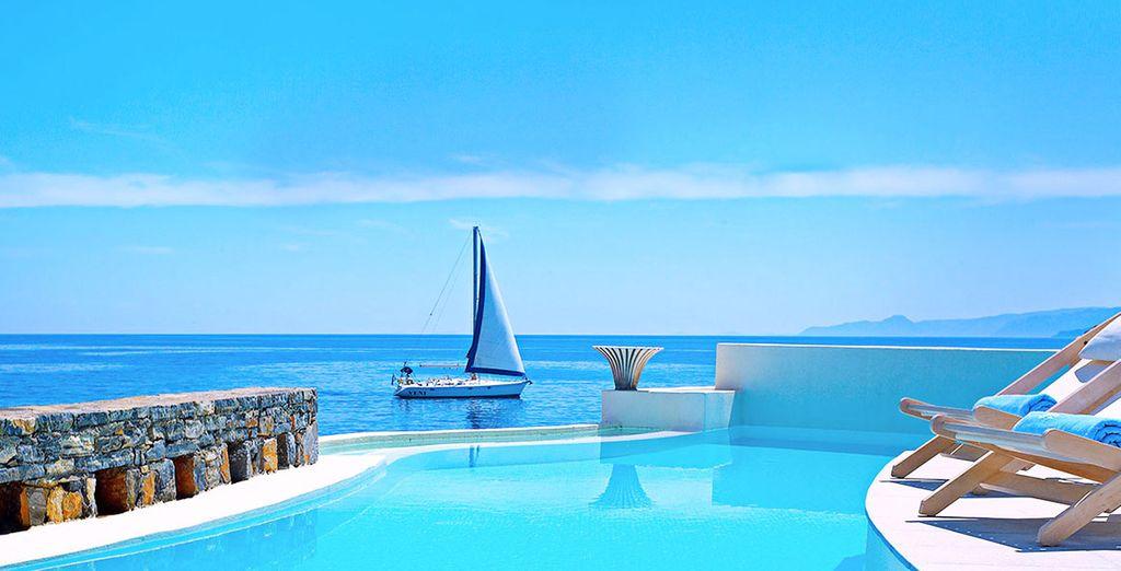 Creta tutta da vivere tra l'azzuro del cielo limpido e le acque cristalline dell'Egeo