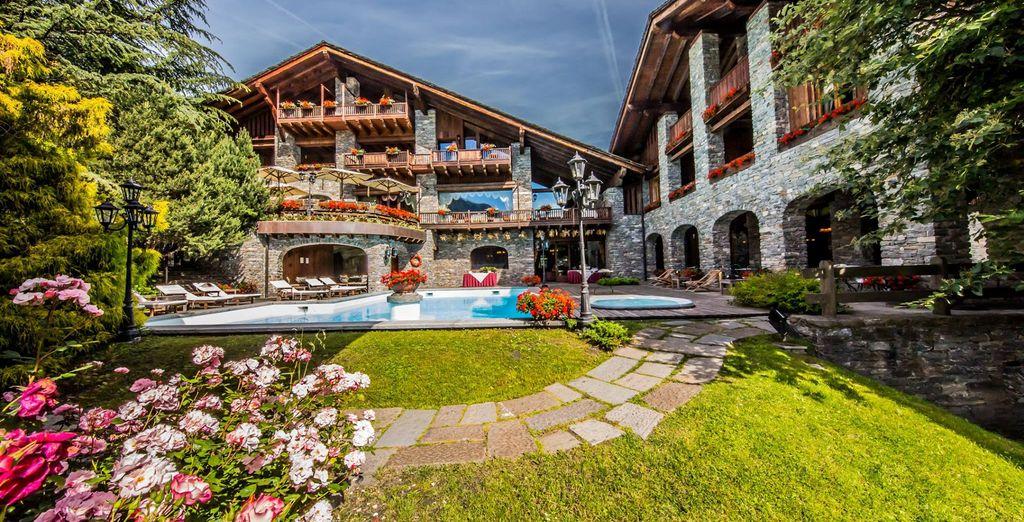 Il Mont Blanc Hotel Village 5* è pronto ad accogliervi