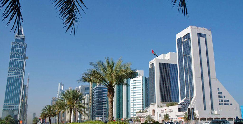 Il Crowne Plaza Dubai 5* è situato in un'ottima posizione