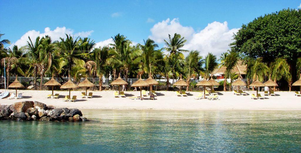Trascorrete le vostre giornate sulla splendida spiaggia di sabbia bianca