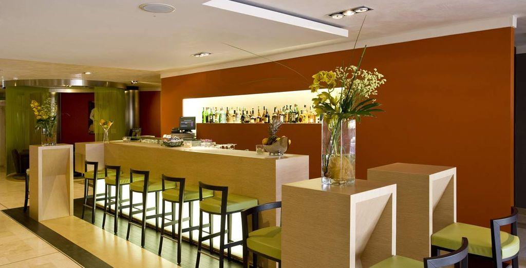 o provate un cocktail al Lobby Bar