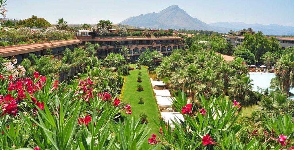 Splendida struttura 4* immersa in giardini fioriti