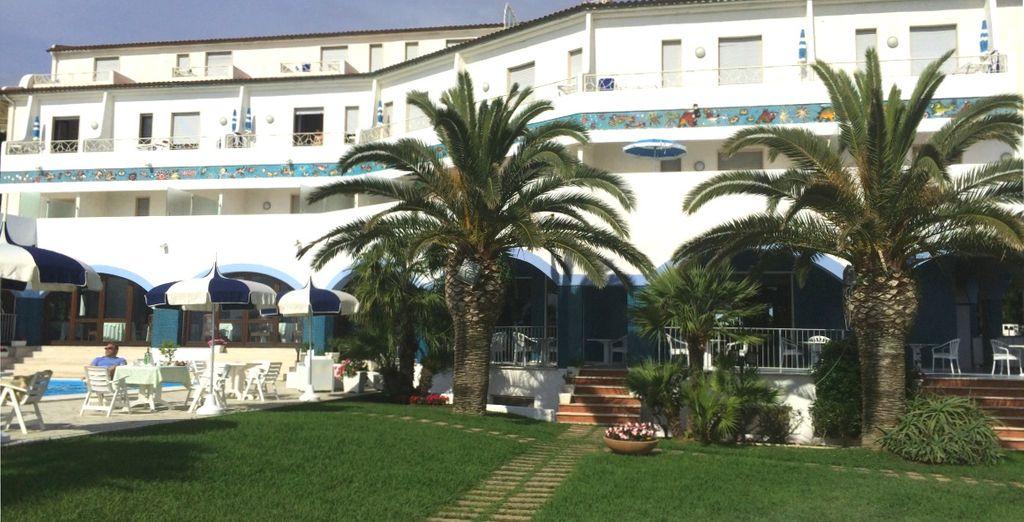 Ad accogliervi c'è l'Hotel Club Poseidon 4*