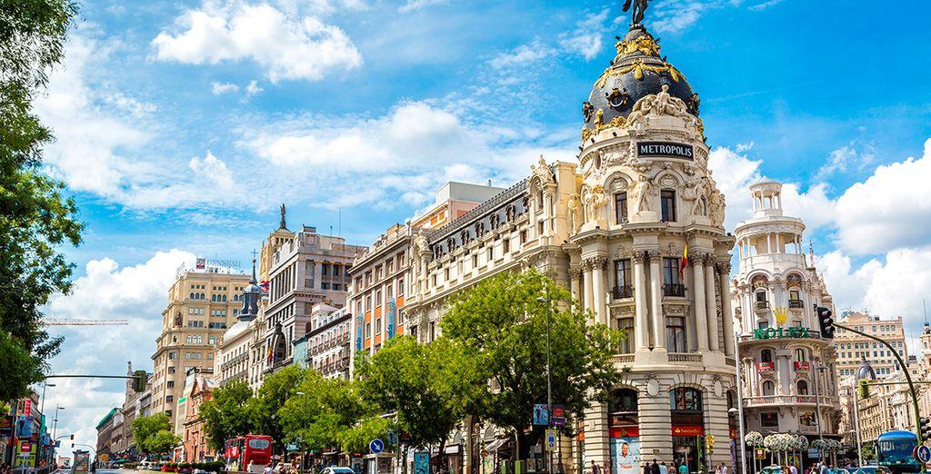 L'hotel è situato nel cuore della Gran Vía, meta ideale per partire alla scoperta della città