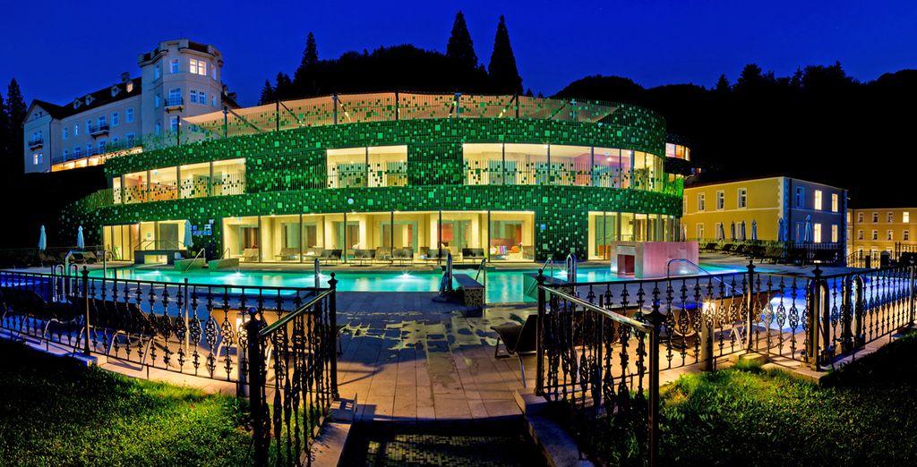 fino alle splendide piscine esterne