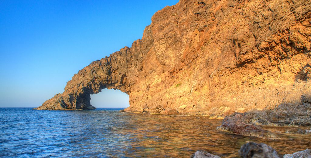 Partite e visitate bellezze come Pantelleria