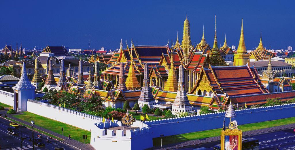 Scoprite il fascino di Bangkok, con i suoi maestosi templi