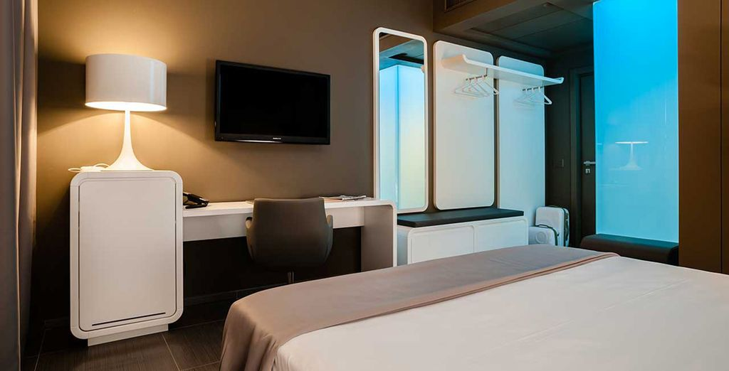 TV con Sky, wifi e doccia con cromoterapia