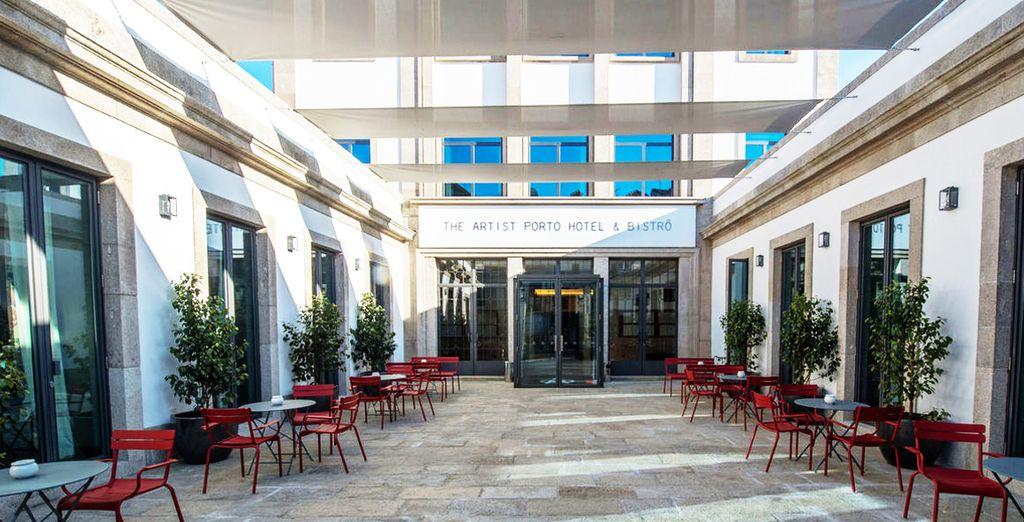 L'hotel è concepito come albergo-scuola per gli studenti dell'Escola de Hotelaria e Turismo do Porto