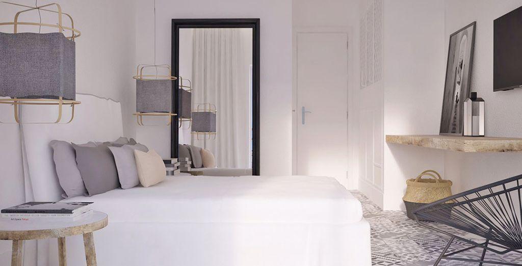 La vostra confortevole ed elegante Camera Doppia con Vista Mare Laterale vi accoglierà