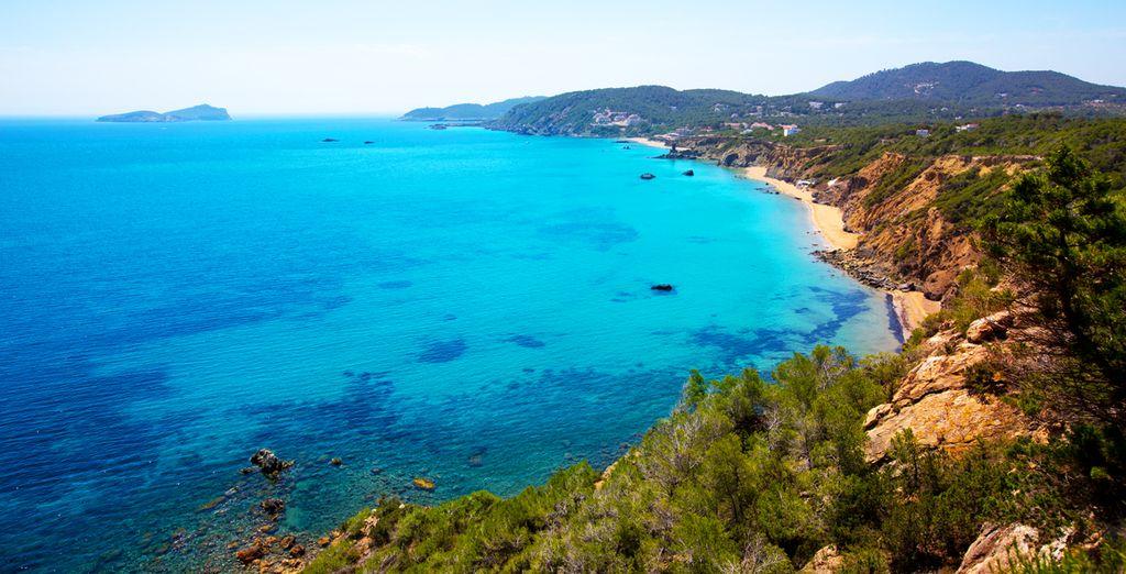 Ibiza vi attende in tutto il suo fascino
