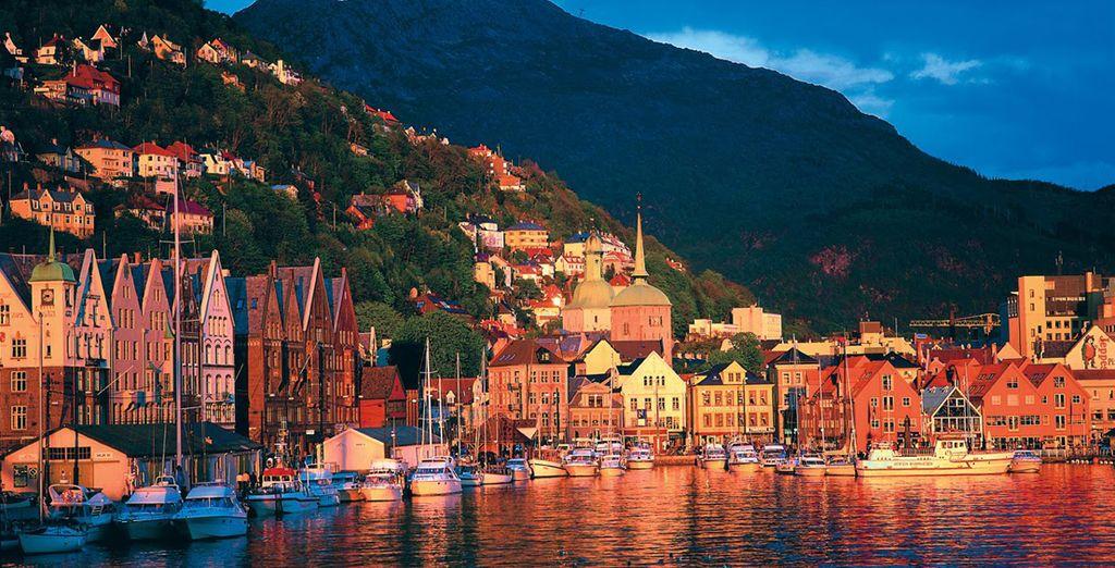 Tappa fondamentale di questa città è Bryggen, lo storico quartiere lungomare