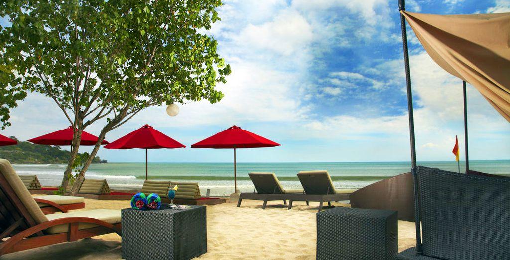 e trascorrete le vostre giornate in spiaggia e presso l'esclusivo Jimbaran Beach Club.