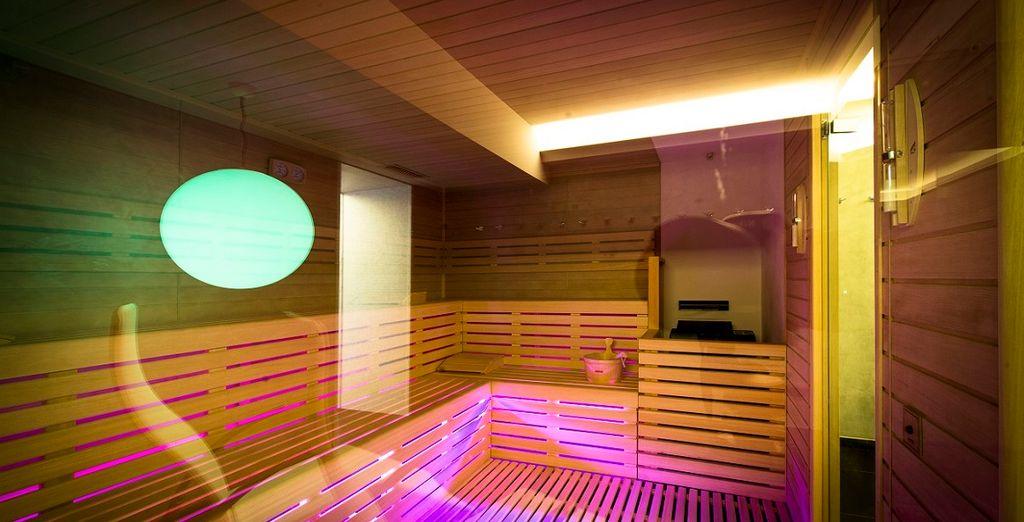 Grazie a servizi come la sauna, il bagno turco e la piscina con idromassaggio