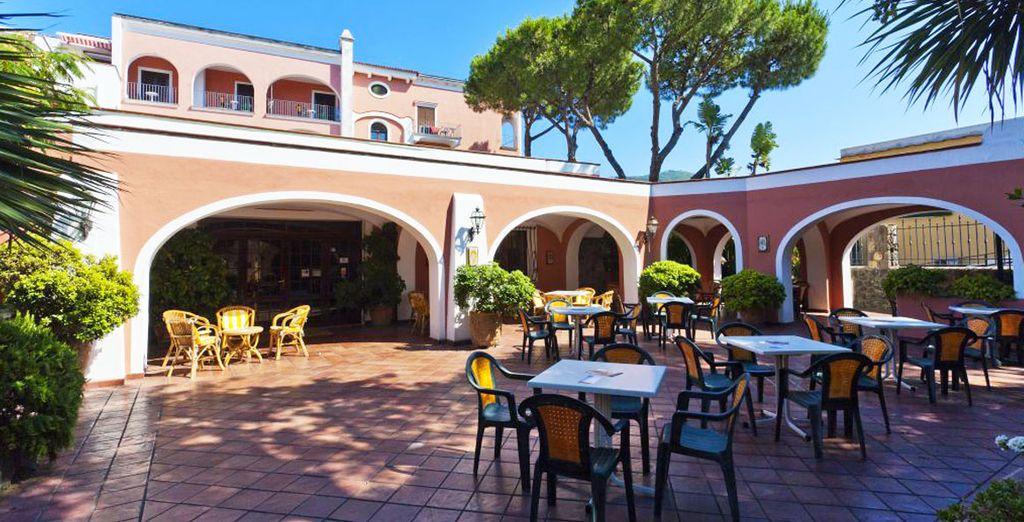 L'Hotel San Valentino Terme & SPA 4* è una struttura di lusso immersa nel verde