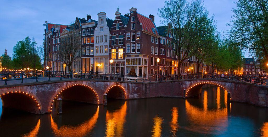 Fate una passeggiata lungo i canali che attraversano la città!