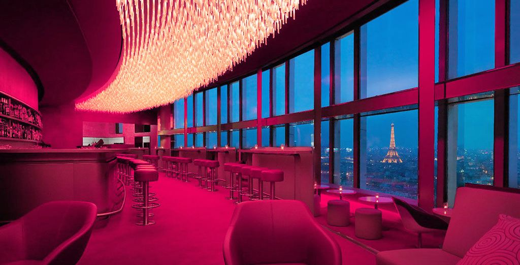 Godete di una vista mozzafiato dai 34 piani dell'hotel