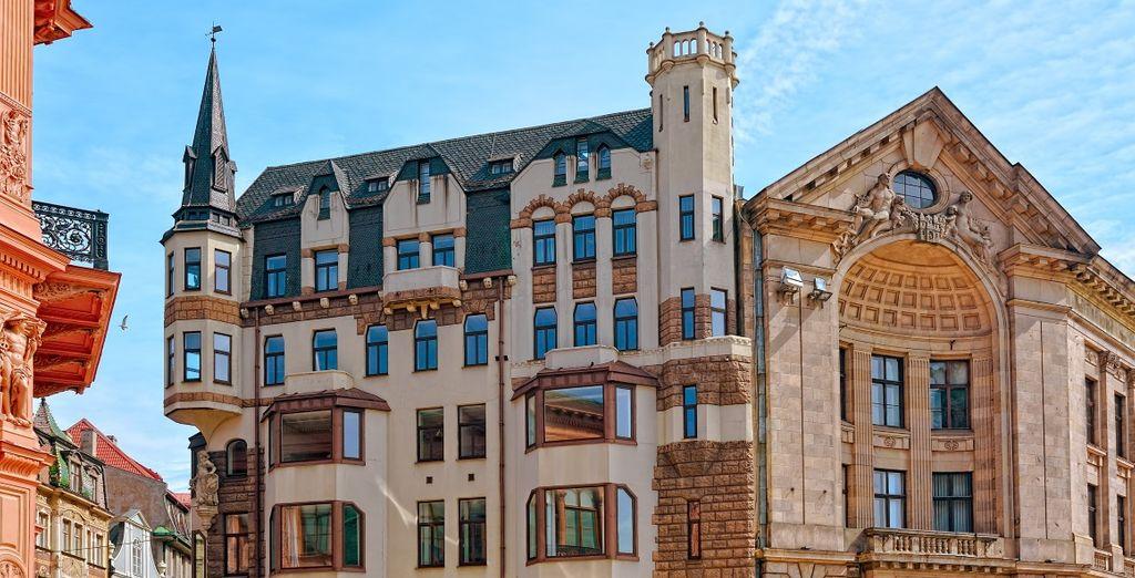 ...con la sua caratteristica architettura Jugendstil