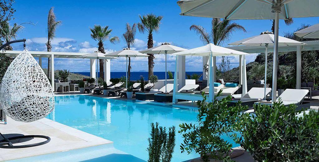 Partite con noi per una splendida vacanza a Santorini