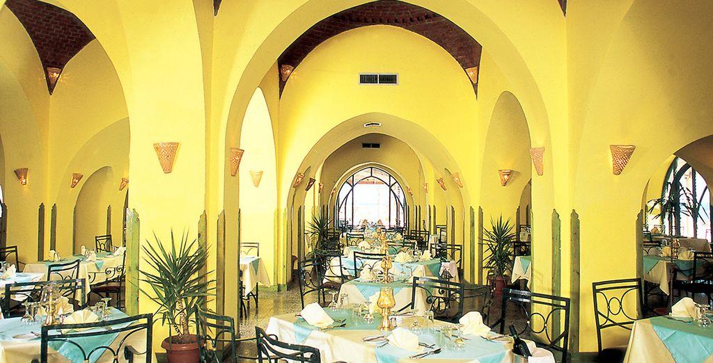 L'hotel dispone di due ristoranti e tre bar a vostra dispozione