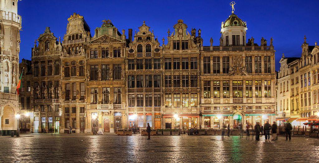 Visitate la Grand Place, fulcro della città