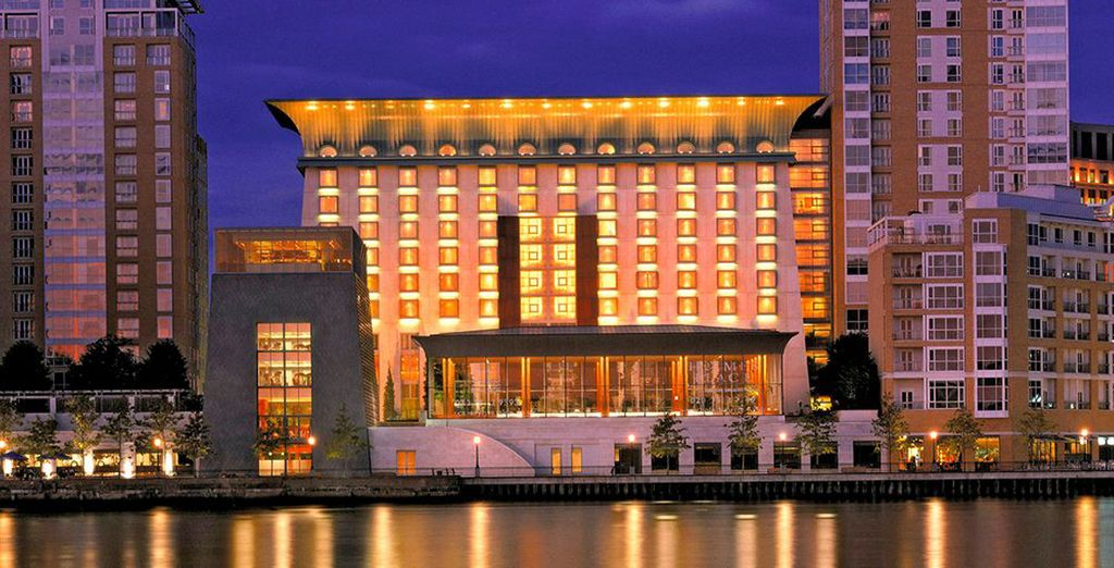 Benvenuti al Canary Riverside Plaza Hotel 5*