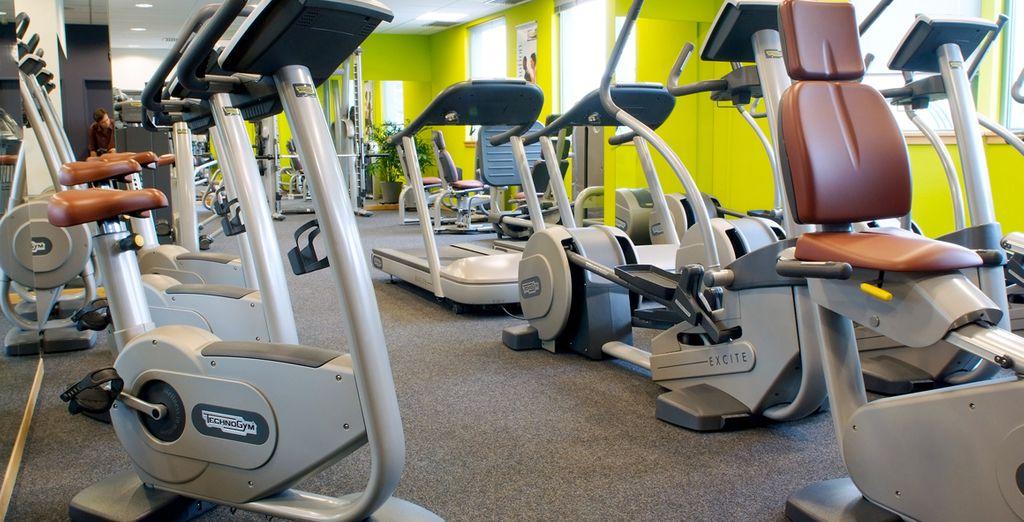 Mantenetevi in forma nella palestra aperta 24 ore su 24