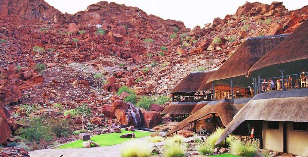 con pernottamento la sera al Twyfelfontein Country Lodge