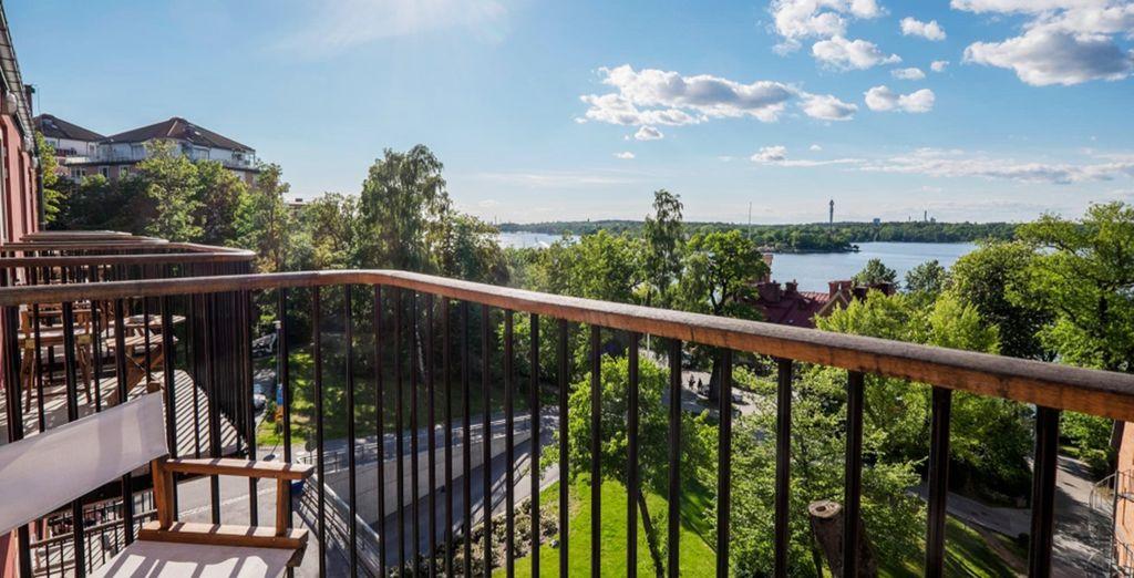 dal cui balcone potrete godere di splendidi panorami sul mare