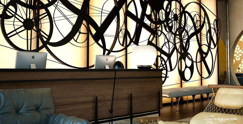 Il design degli interni è elegante e contemporaneo