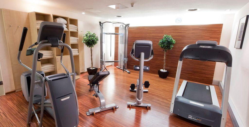 O mantenervi in forma nell'attrezzato fitness center