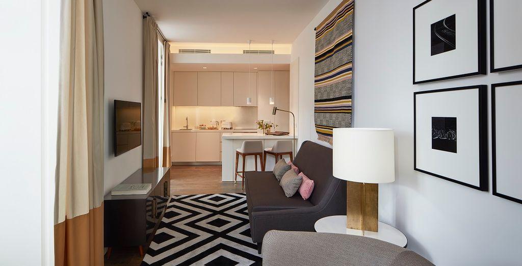 con cucina completa e spaziosa zona living