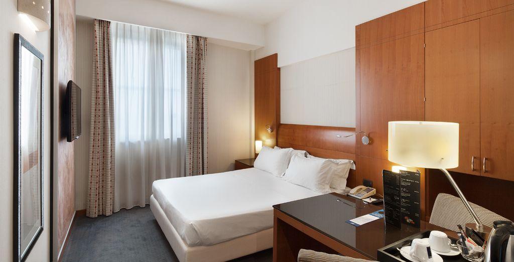 Hotel NH Napoli Ambassador 4*