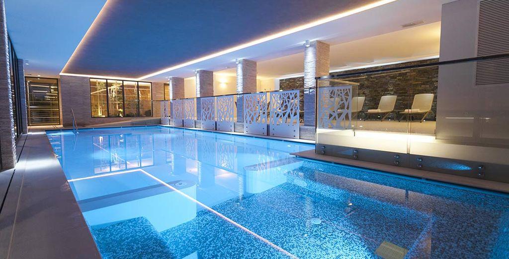 Fate una nuotata rigenerante nella bellissima piscina riscaldata