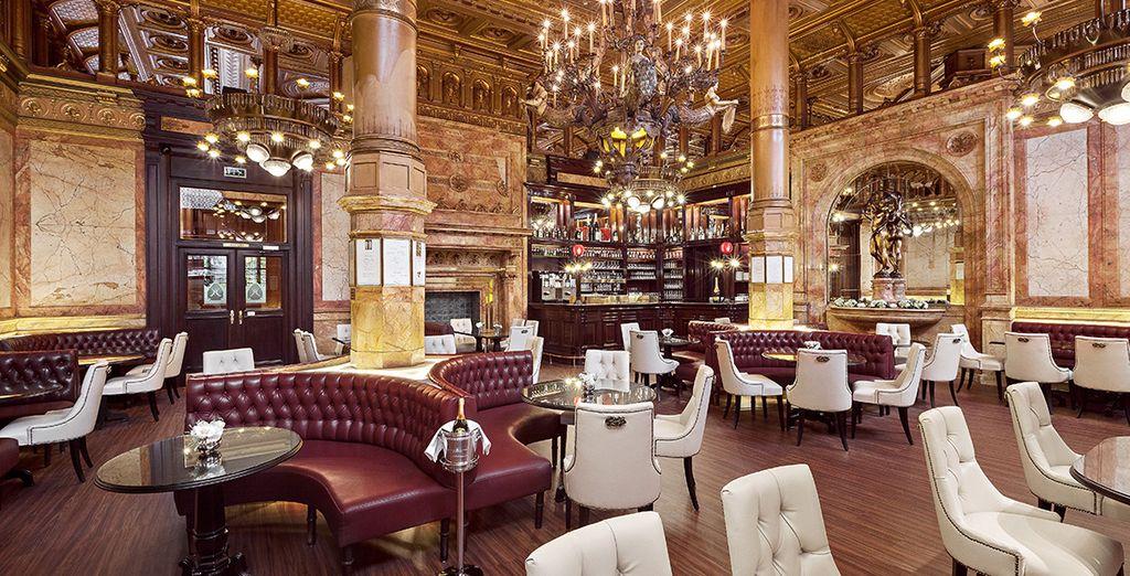 Hotel di lusso a 5 stelle con bar e ristorante gourmet